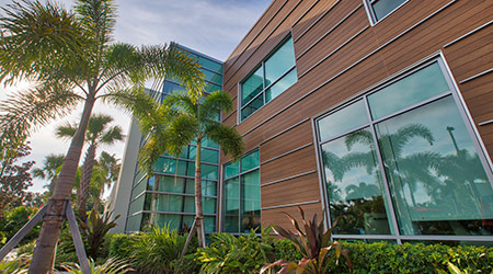 Design of Vero Beach's Scully-Welsh Cancer Center focuses on